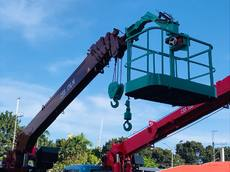 Euro 4 Daewoo 6 Tons Boom Truck/ Truck Mounted Crane CSS176M For Sale!