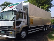 10 wheeler wingvan truck for rent