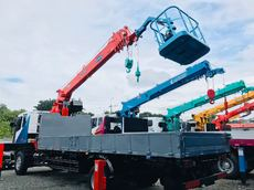 Reconditioned Daewoo 7 tons Boom Truck with Man Lift